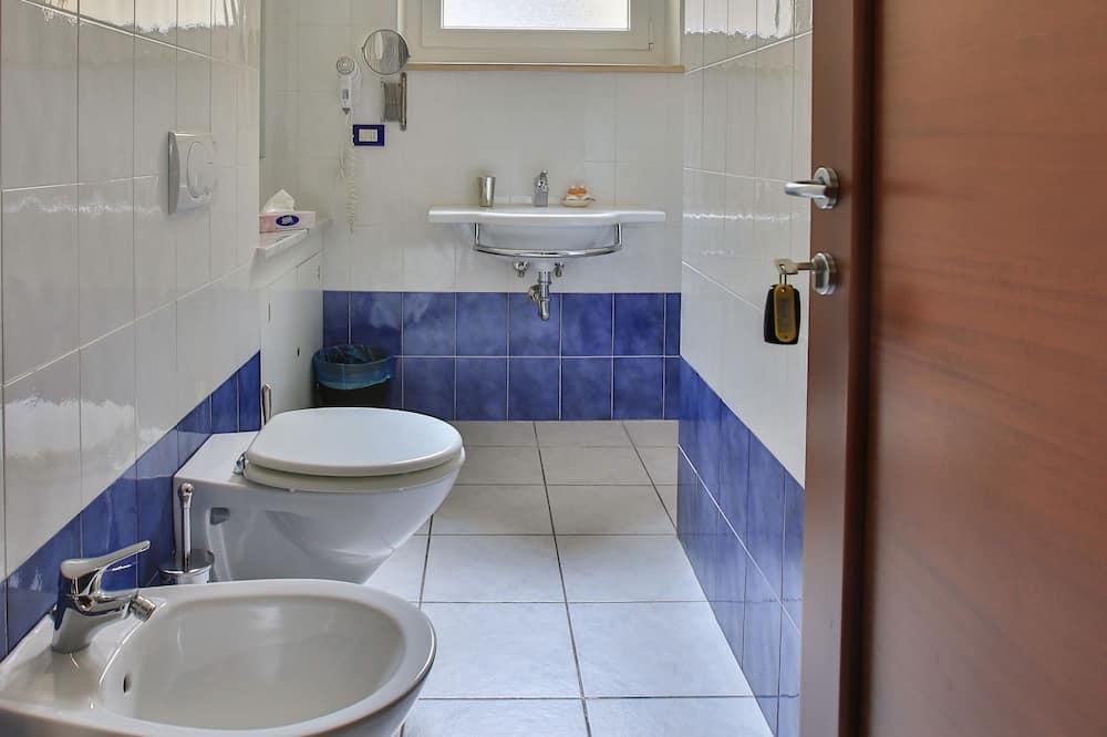 Standard Tek Büyük Yataklı Oda, Özel Banyo (External and private Bathroom ) - Banyo