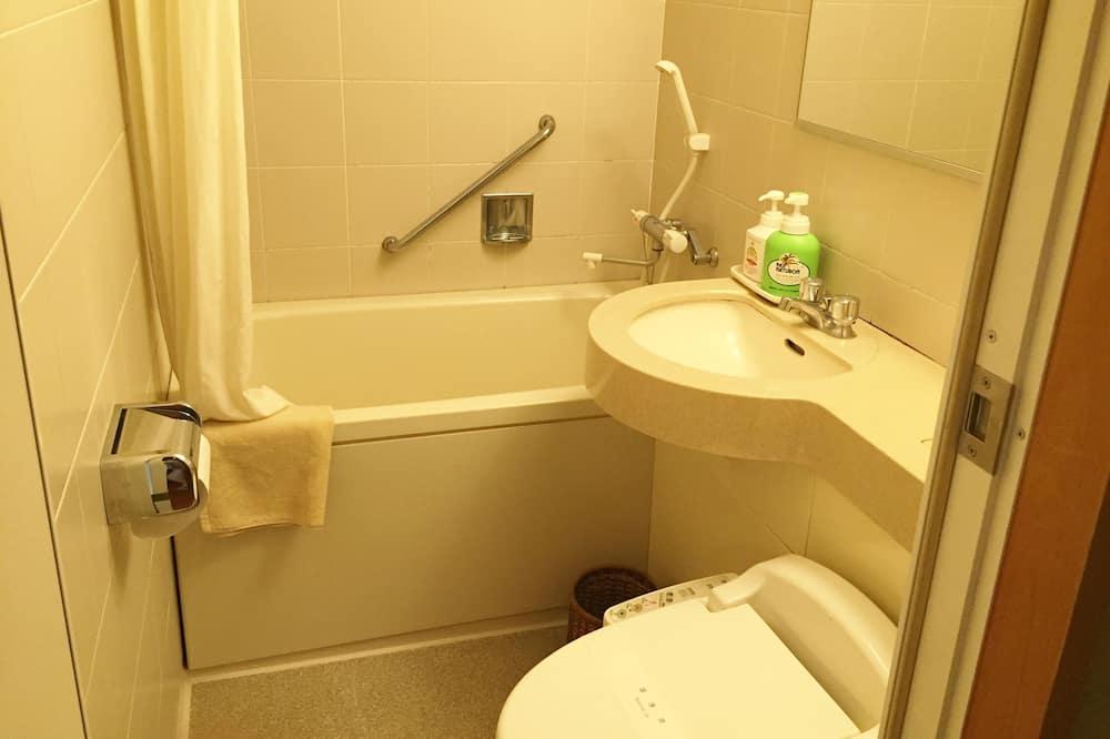 Tradičná izba, nefajčiarska izba (Check In Until 18:00) - Kúpeľňa