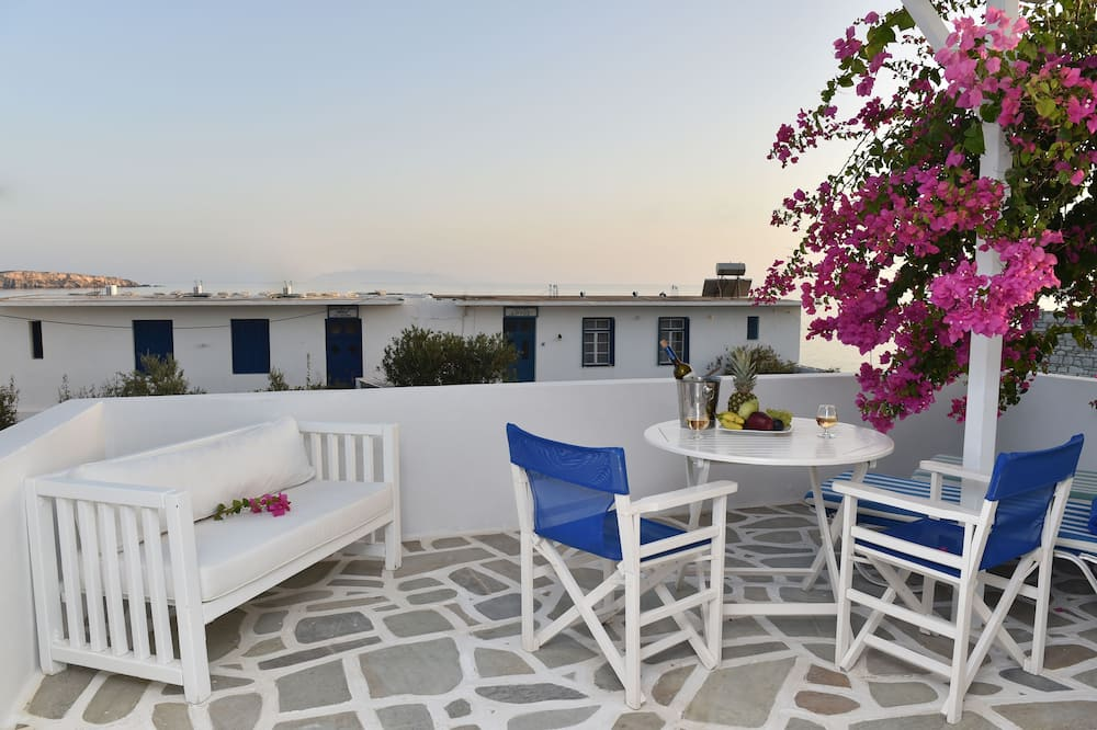 Classic Apartment, 1 Double Bed with Sofa bed, Sea View, Sea Facing - Balcony