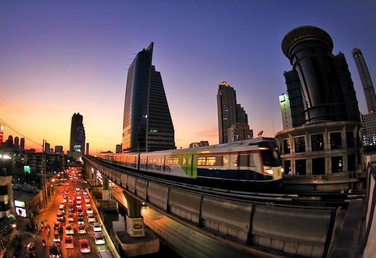 H-Residence, Bangkok, Hotel Front – Evening/Night