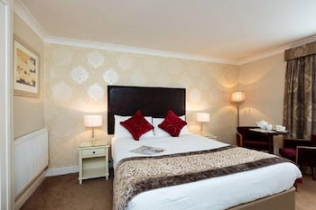 Enter your travel dates, check our Bury last minute prices