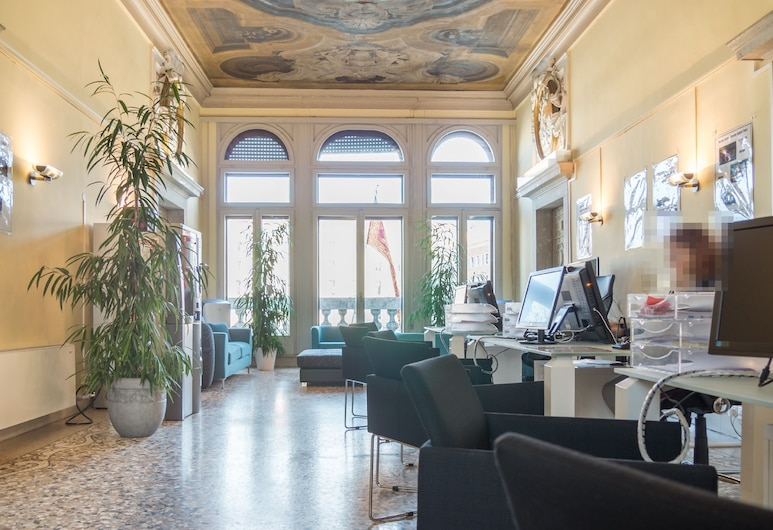 Venice Grand Canal Style Apartment, Venice, Reception