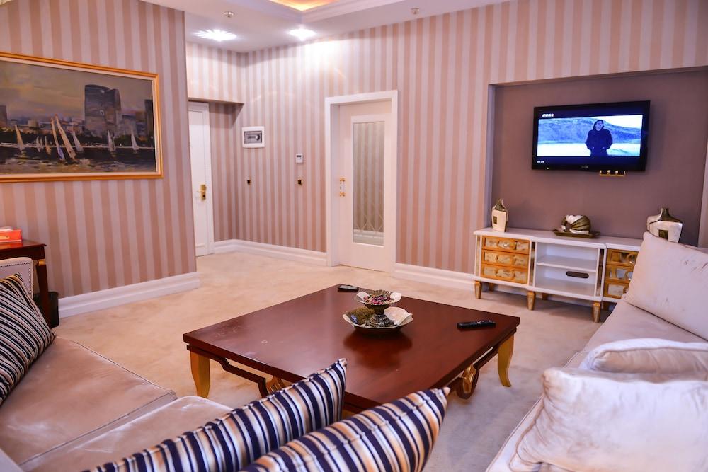 Book Lake Palace Hotel in Baku   Hotels.com