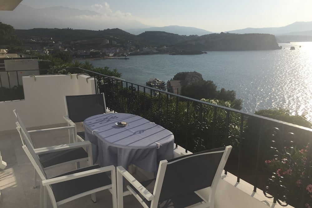 Two Bedroom Apartment for 4 people - Balcony