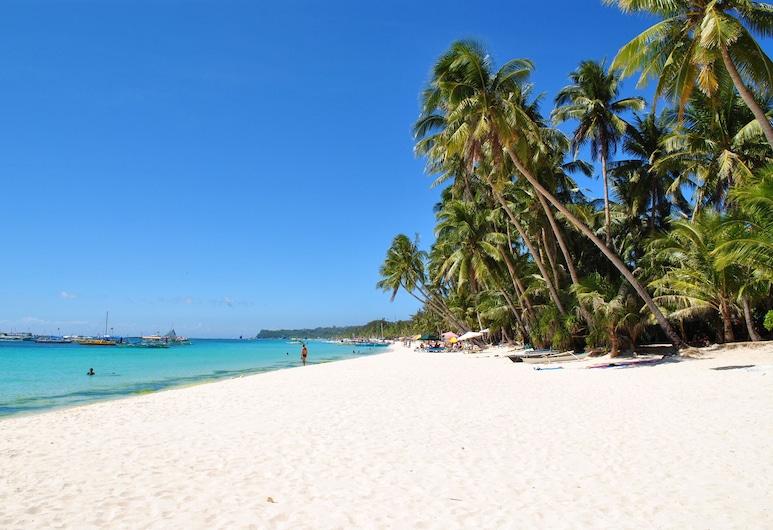 เซิร์ฟไซด์ โบราไกย์ รีสอร์ทแอนด์สปา, Boracay Island, ชายหาด