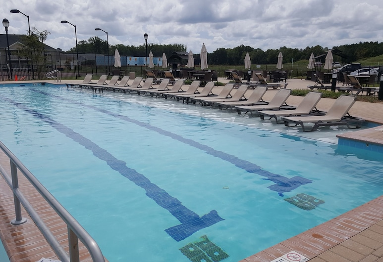 The Colonies at Williamsburg, Williamsburg, Venkovní bazén