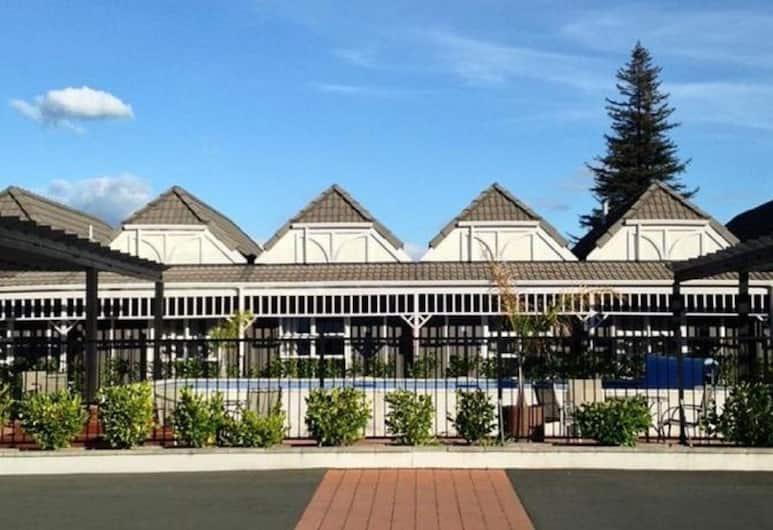 Lake Rotorua Hotel, Rotorua, Hotel Front