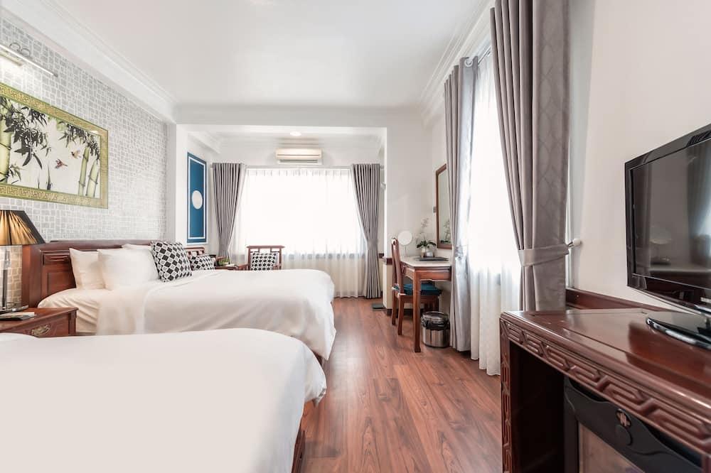 Familien-Dreibettzimmer, 1 Schlafzimmer, Stadtblick - Wohnbereich