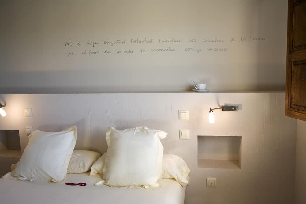 Family Quadruple Room, Mountain View - Living Area