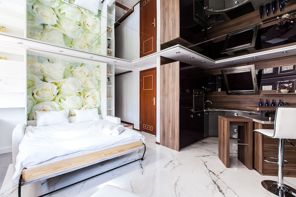Apartment4you Wilcza, Warsaw