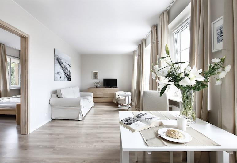 Apartinfo Old Town Apartments, Gdansk, Apartmán typu Superior, 1 spálňa, výhľad na rieku (Ponczosznikow Street), Obývacie priestory