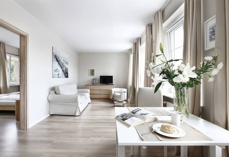 Apartinfo Old Town Apartments, Gdansk, Superior Apartment, 1 Bedroom, River View (Ponczosznikow Street), Ruang Tamu