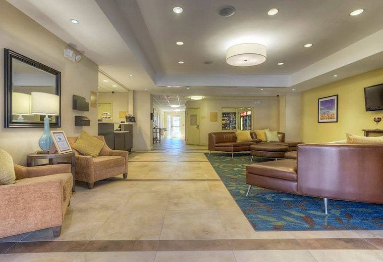 Candlewood Suites Mooresville, Mooresville, Lobby