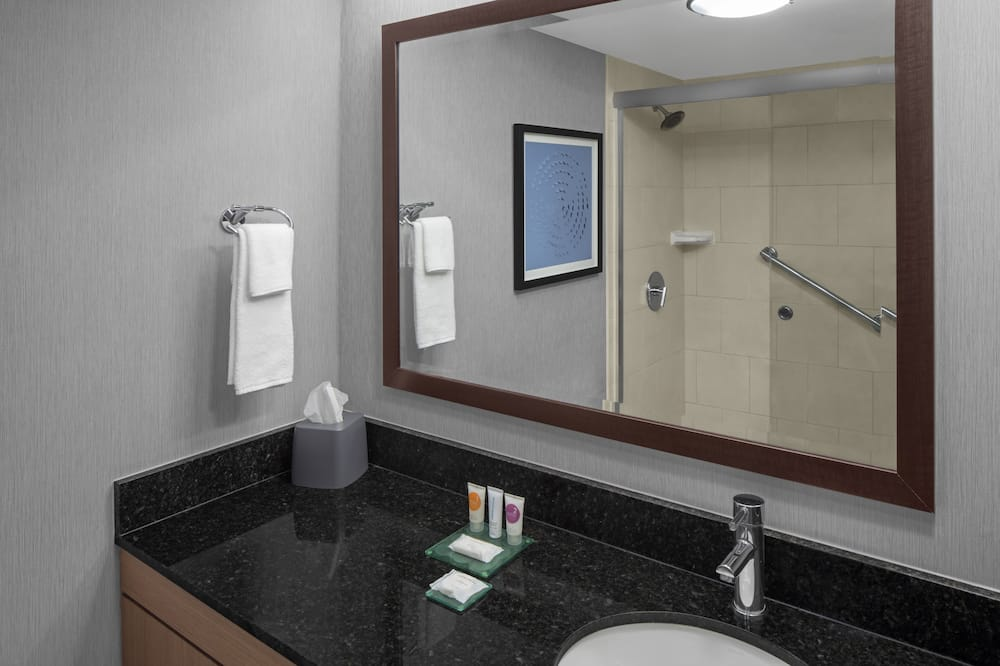 Δωμάτιο, 2 Διπλά Κρεβάτια (Newly Renovated) - Μπάνιο