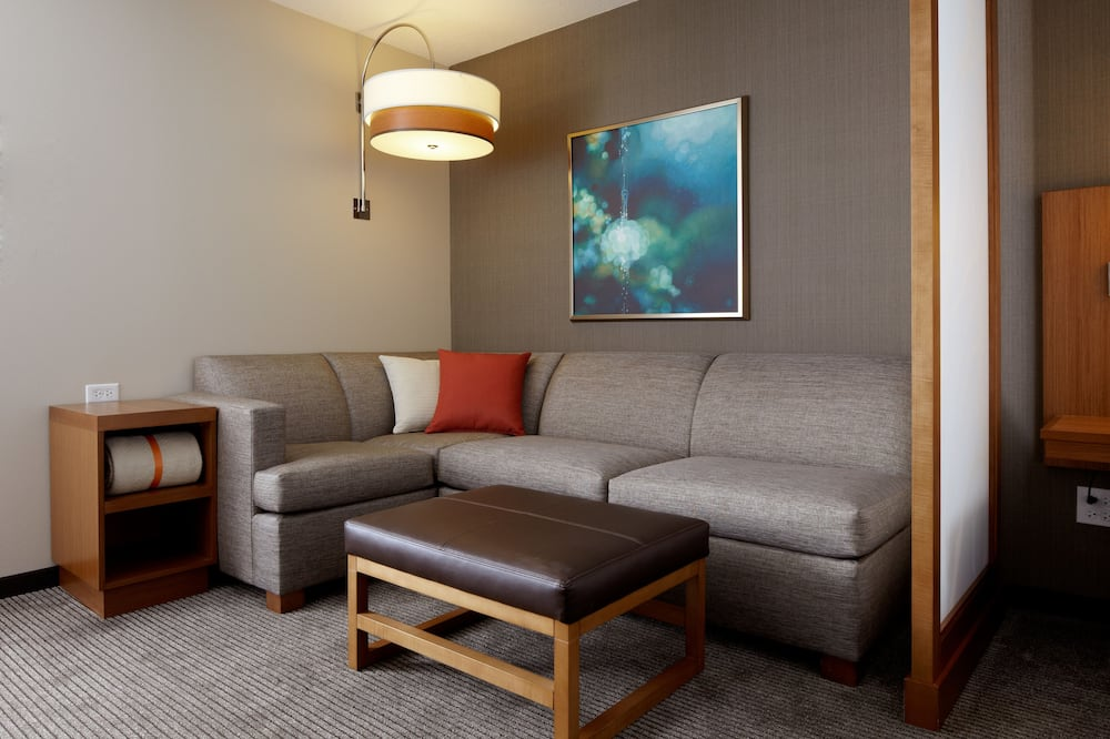 Room, 2 Double Beds (Newly Renovated) - Living Area