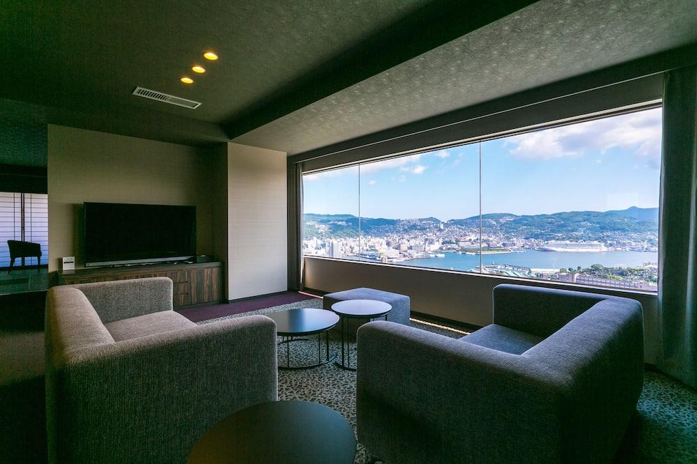 Phòng Premier, Không hút thuốc, Quang cảnh cảng (Top Floor) - Khu phòng khách