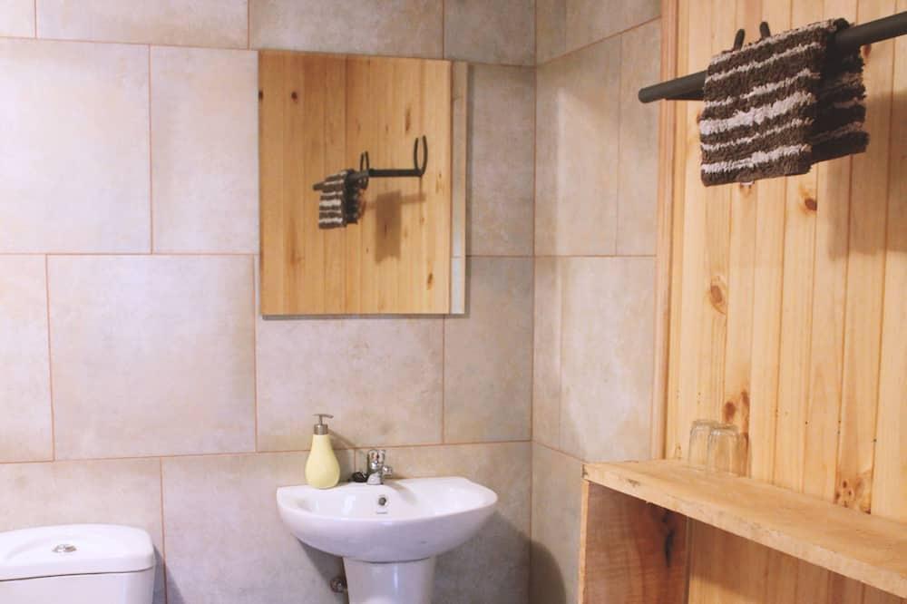 Single room with Private bathroom - Cuarto de baño