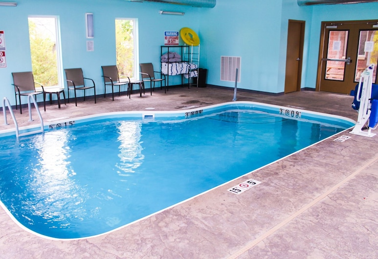 Bell's Extended Stay and Suites, St. Robert, Pool