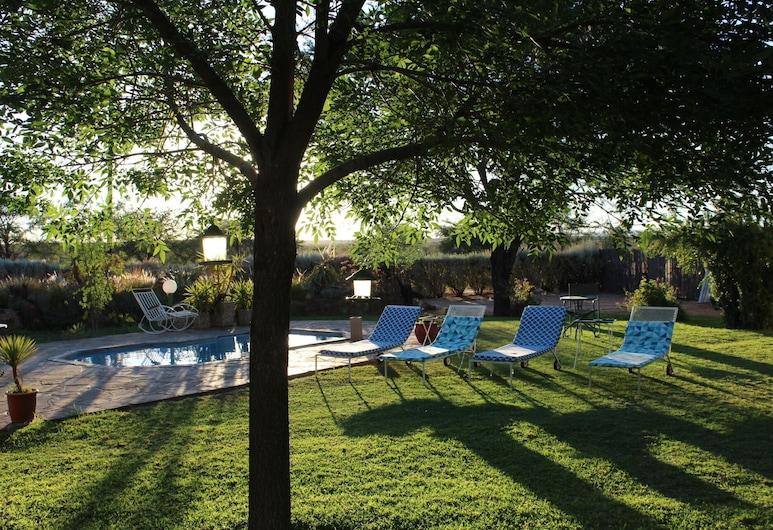 Etango Ranch Guestfarm, Windhoek, Výhled do zahrady