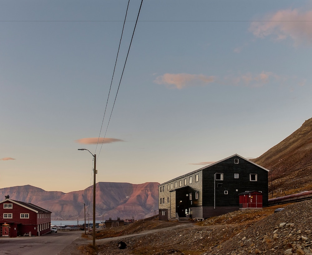 Book Coal Miners Cabins in Longyearbyen | Hotels.com