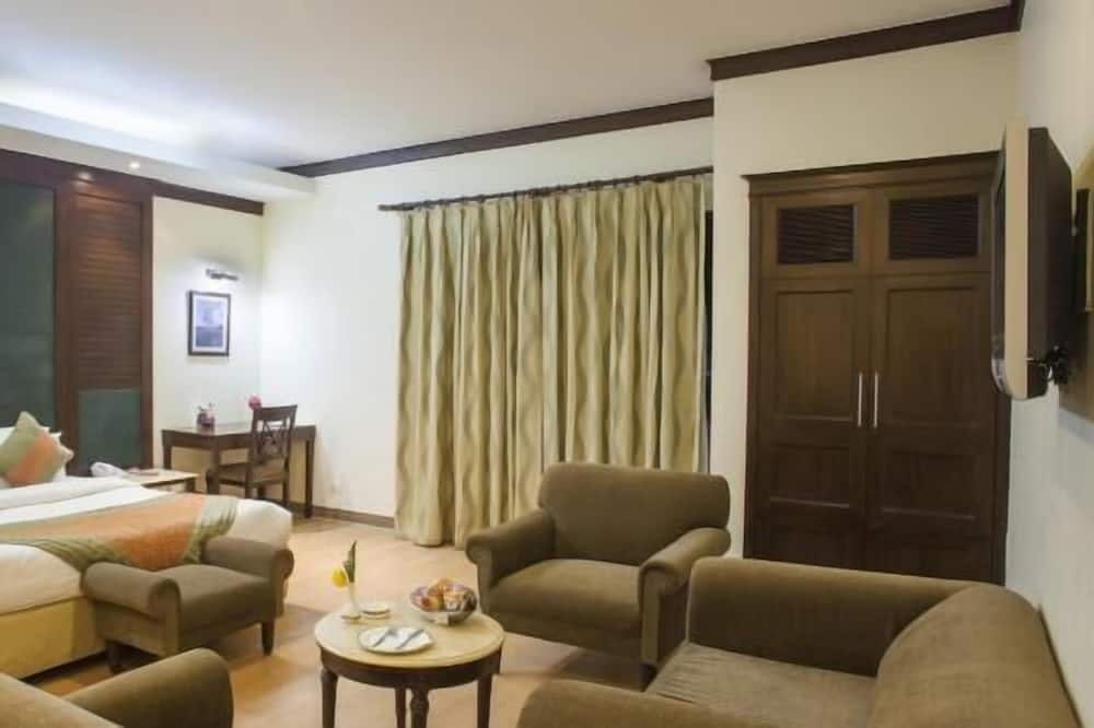 Valley View - Living Area