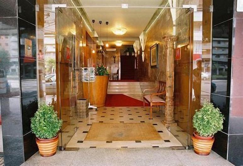 副皇酒店, 波多, 酒店入口