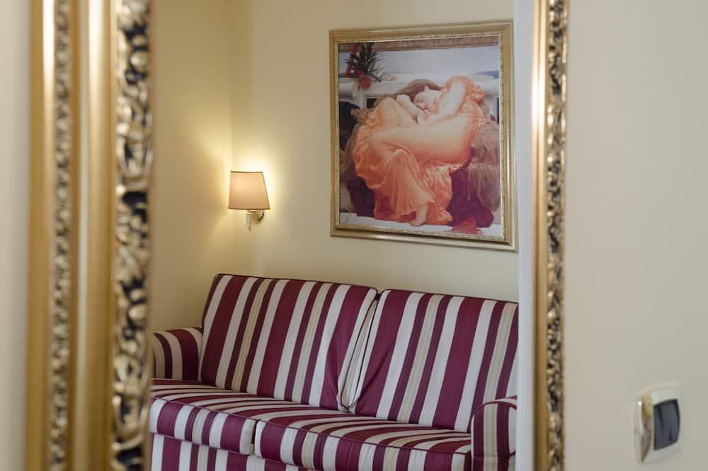 Suite, City View - Living Area