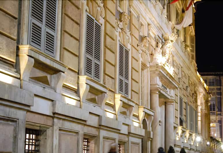 Hotel Genziana, Genova, Voorkant hotel - avond/nacht