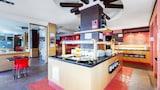 Peligros hotels,Peligros accommodatie, online Peligros hotel-reserveringen