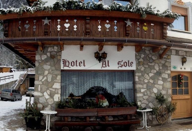 艾爾索勒飯店, 奧龍佐迪卡多雷, 飯店正面