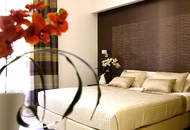 英特諾 5 飯店, 羅馬, 豪華三人房, 私人浴室, 客房
