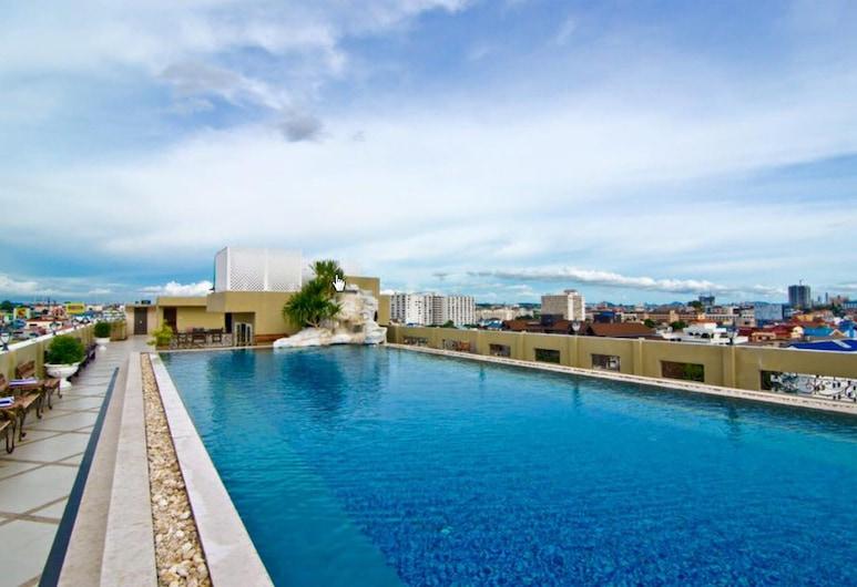 LK Royal Wing, Pattaya, Pool