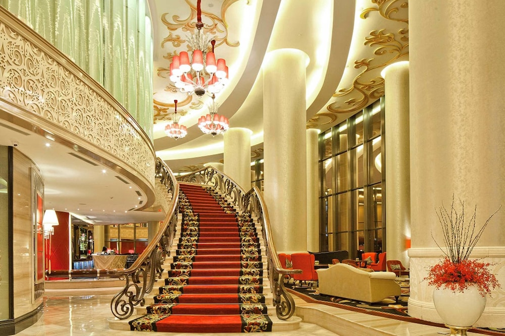 The Trans Luxury Hotel  Bandung  Lobby. Book The Trans Luxury Hotel in Bandung   Hotels com