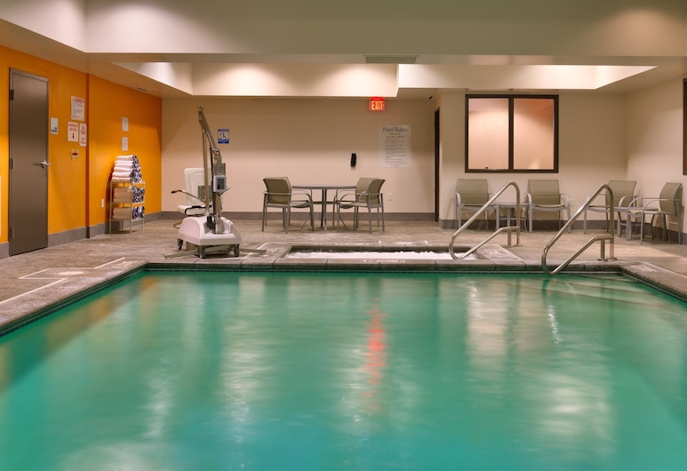 Holiday Inn Express and Suites Overland Park, Overland Park, Piscine