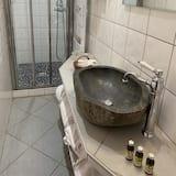 Comfort Δωμάτιο, 1 Queen Κρεβάτι - Μπάνιο