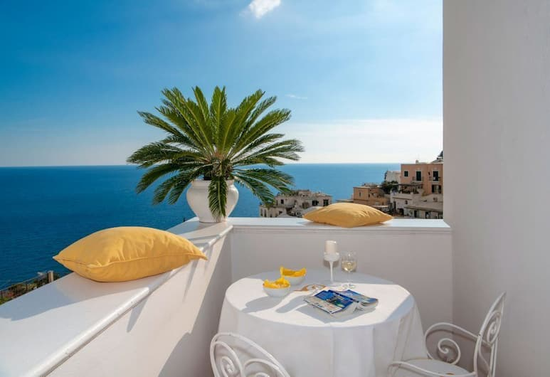 Villa Yiara, Positano, Deluxe dubbelrum - balkong - havsutsikt, Utsikt från gästrum