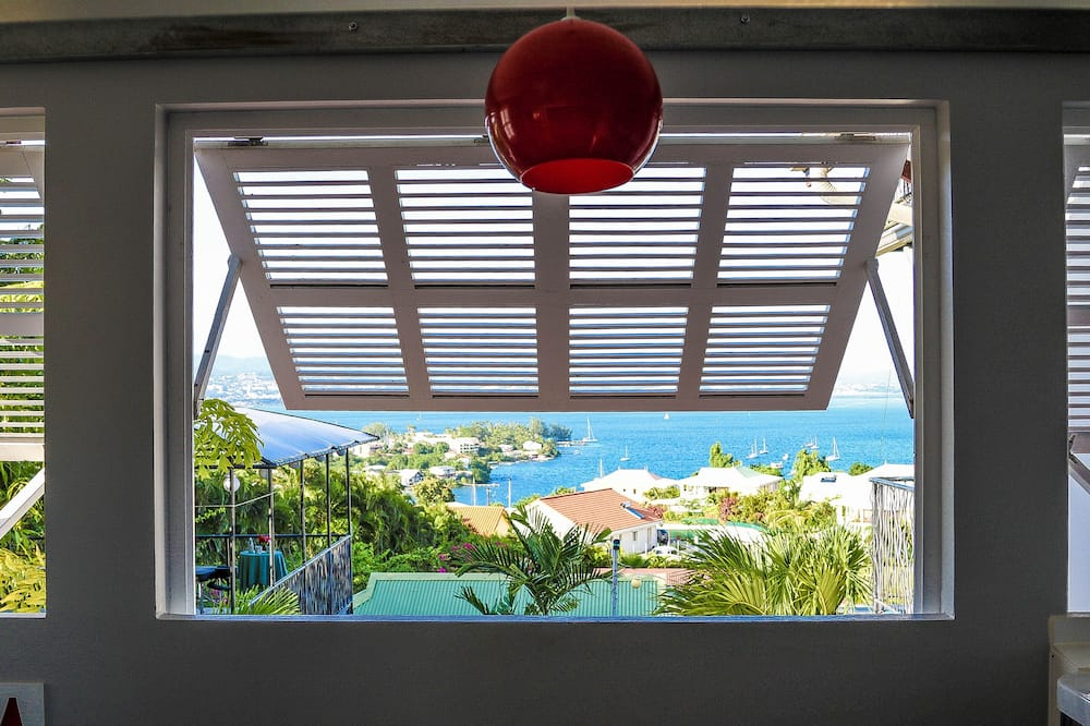 Luxury Suite, Hot Tub, Bay View - Balcony View