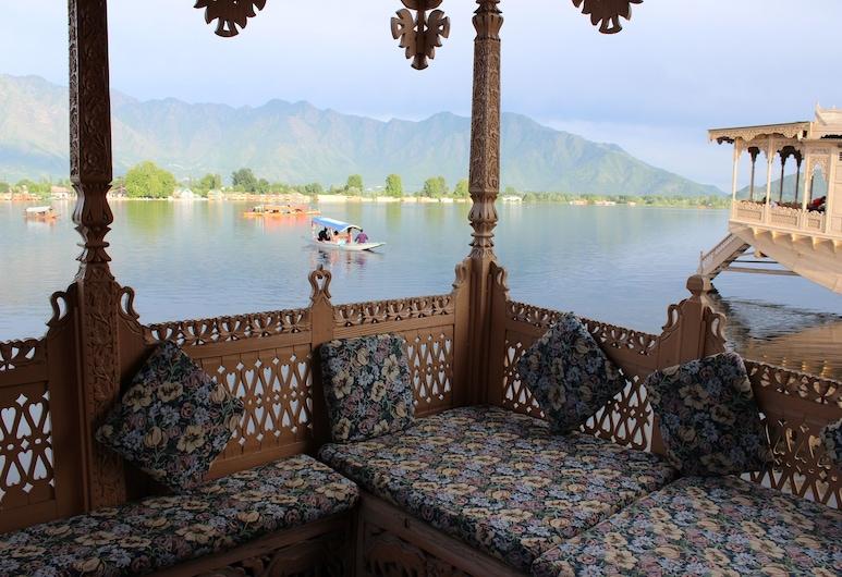 Wangnoo Houseboats, Srinagar, Honeymoon Room, 1 King Bed, Balcony