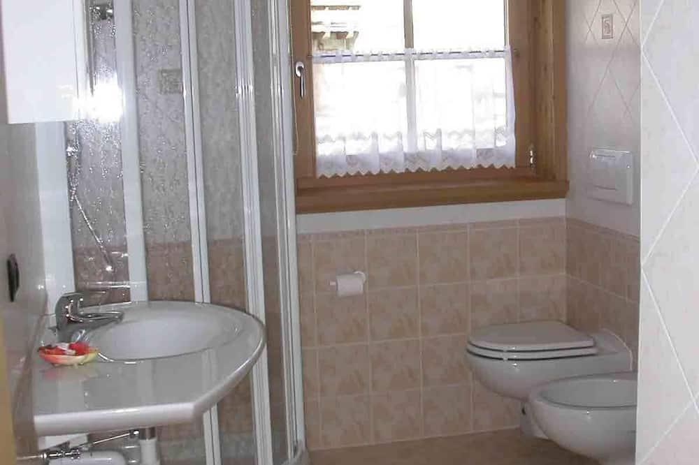 Standard apartman, 2 hálószobával - Fürdőszoba