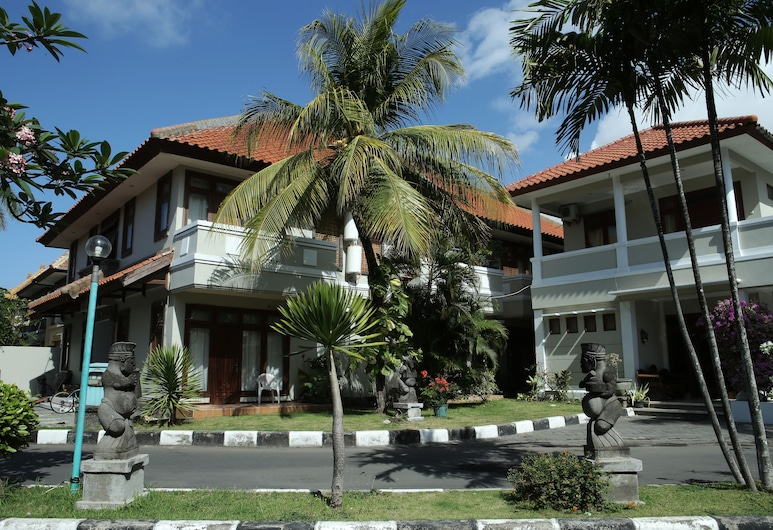 Sapta Petala, Kuta, Mặt tiền khách sạn