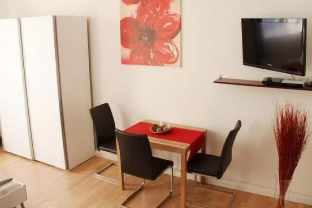 Standard Studio, Kitchen - Room amenities