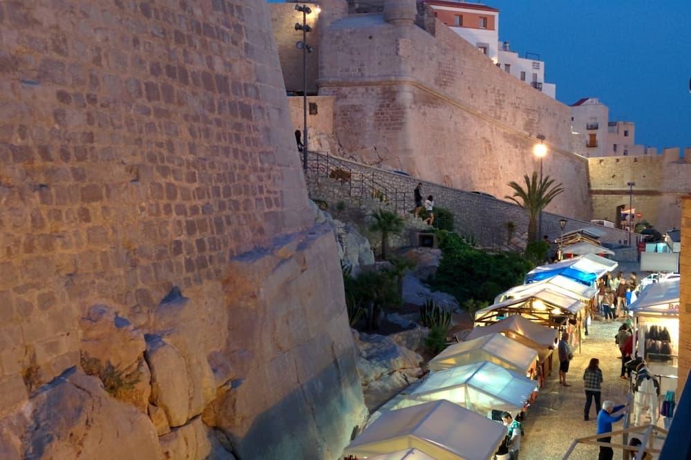 Kamar Standar, balkon (Vistas al castillo) - Balkon