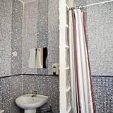 トリプルルーム 共用バスルーム - バスルーム