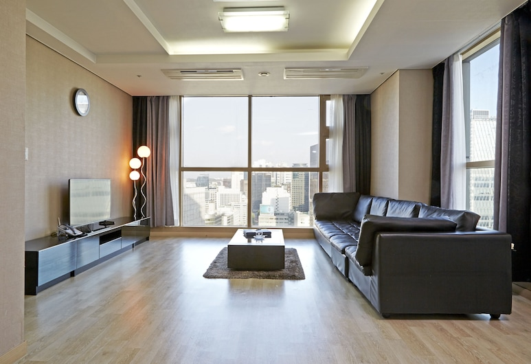 Brown Suites Seoul, Seoul, Premier Penthouse (Bigger than most in Seoul), Living Room