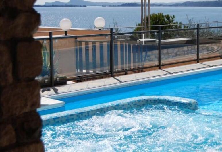 Garda Sol Apart-hotel Beauty & SPA, Toscolano Maderno, Vanjska masažna kada