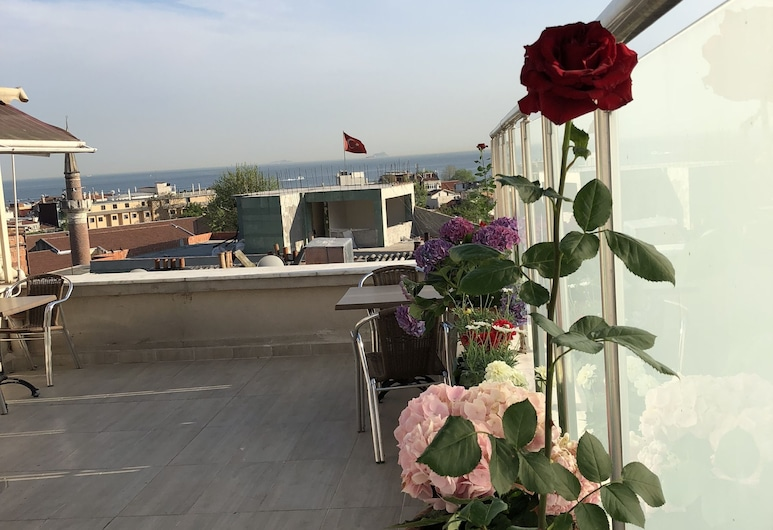 Feyza Apartments, Istanbul, Terasa