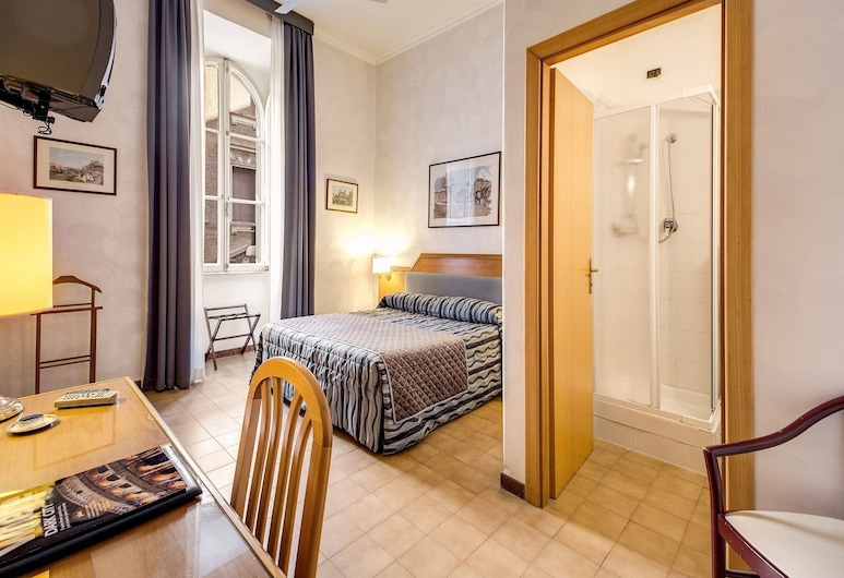 Hotel Giotto Flavia, Rome, Triple Room, Guest Room