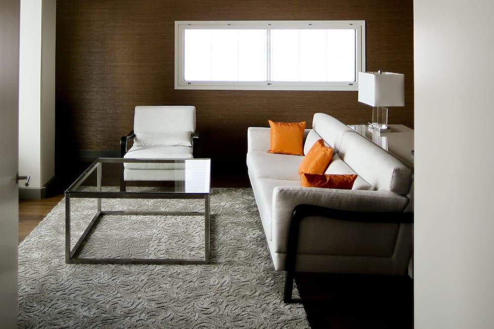 套房, 三溫暖 - 客廳
