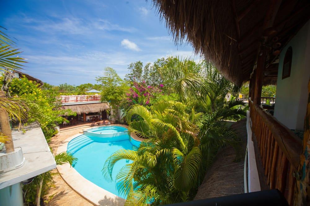 Rodinný apartmán, výhľad na bazén - Balkón