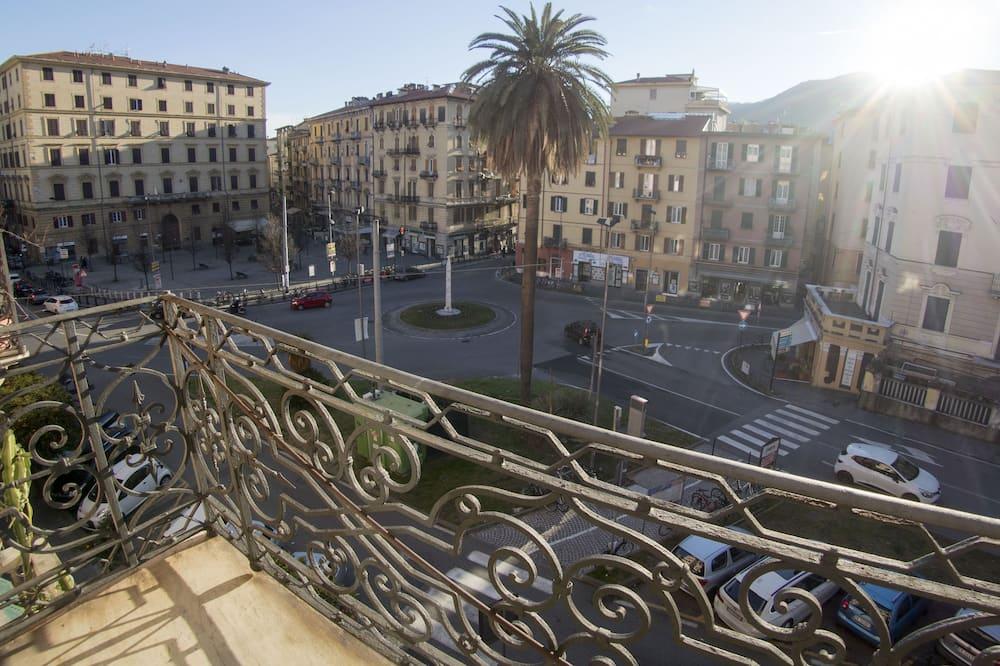 Номер, балкон, вид на город - Вид на город